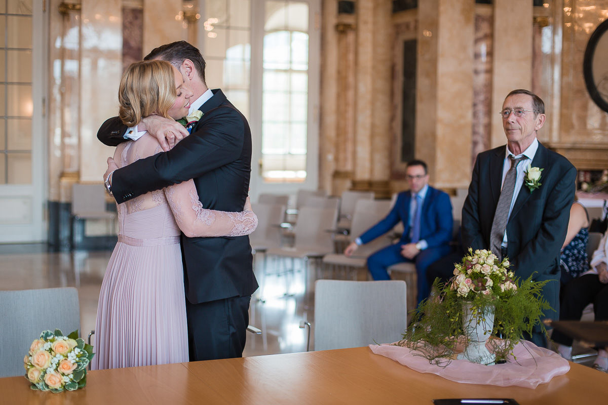 Hochzeitsfotograf Stuttgart Oliver Lichtblau Standesamt Hochzeit Neues Schloss Stuttgart 10
